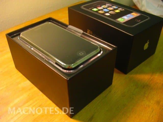 iPhone 2G in der Verpackung