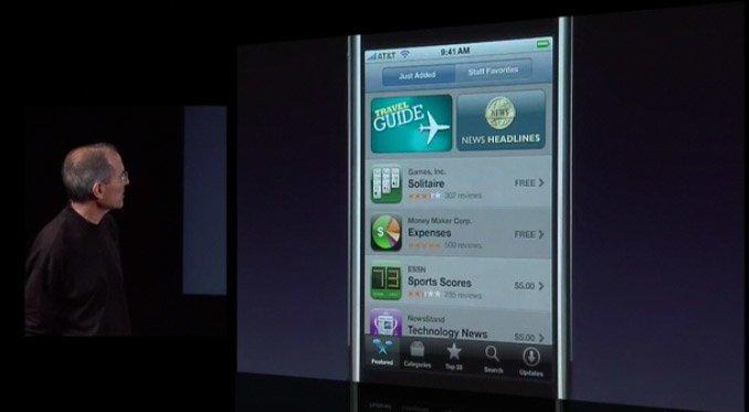 Steve Jobs präsentiert den App Store