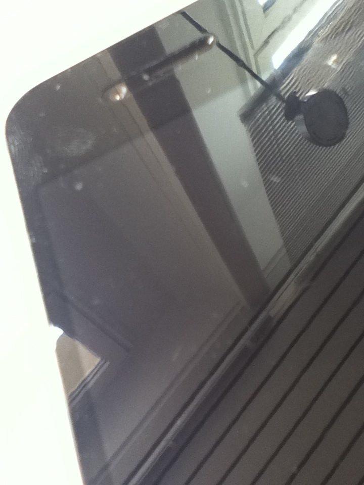 Fingerabdruck unter der Wrapsol Ultra Drop + Scratch Protection Folie auf dem iPhone 4