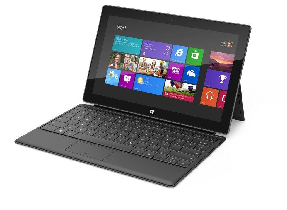Microsoft Surface inklusive Tastatur und Aufsteller