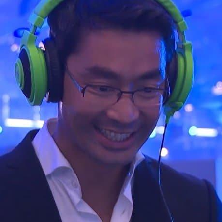 Philipp Rösler (FDP) auf der GamesCom 2013 als Gast von Electronic Arts