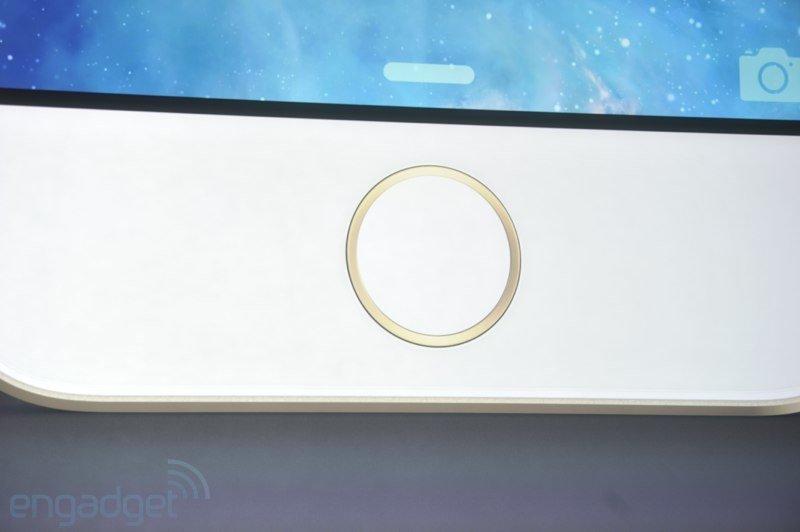 Fingerabdruck-Sensor des iPhone 5S im Home Button, Foto: engadget