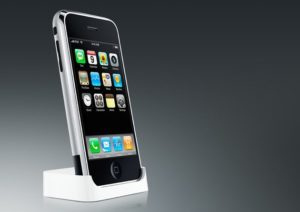 iPhone im Dock