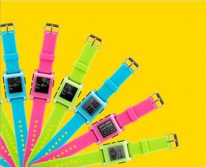 Pebble Smartwatch in neuen Farben