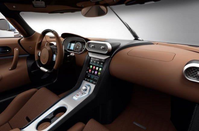 Koenigsegg Regera - Innenraum mit CarPlay