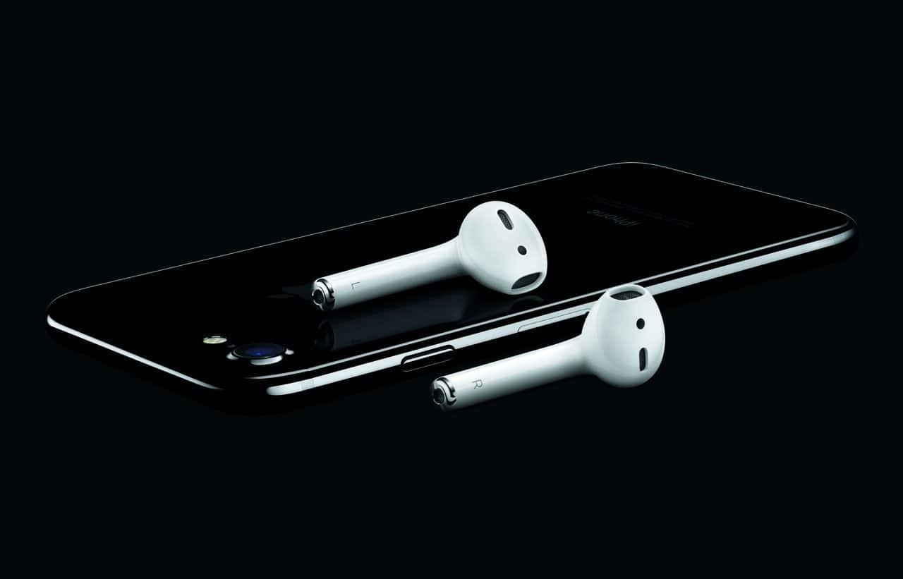 AirPods, iPhone 7 (Diamantschwarz)