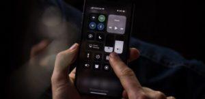iOS 13 mit Dark-Mode auf iPhone XI
