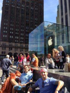 Camper vor Apple Store in 5th Avenue warten auf iPhone 5S, Foto: Jon Murphy