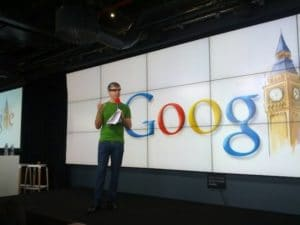 Larry Page mit den Google Glasses in London, Foto: Jason Mayes