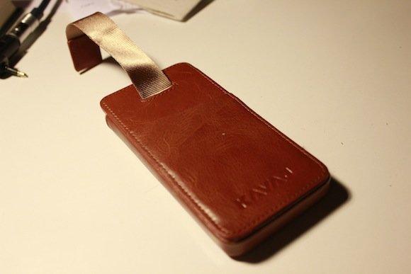KAVAJ Ledertasche für das iPhone 5 mit Lasche