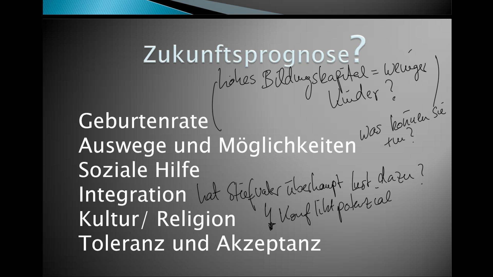 Handschrift auf PowerPoint-Präsentation am Surface Pro